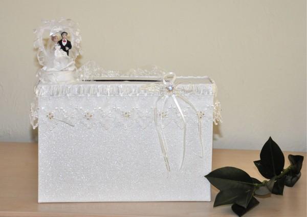 Geschenkschachtel / Koffer zur Hochzeit - Brautpaar