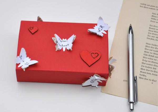 1. Hochzeitstag Papierhochzeit - Geschenkschachtel Schmetterlinge