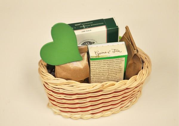 Grüner Zauber - Handgefertigter Korb mit Grünem Tee - Teegeschenk