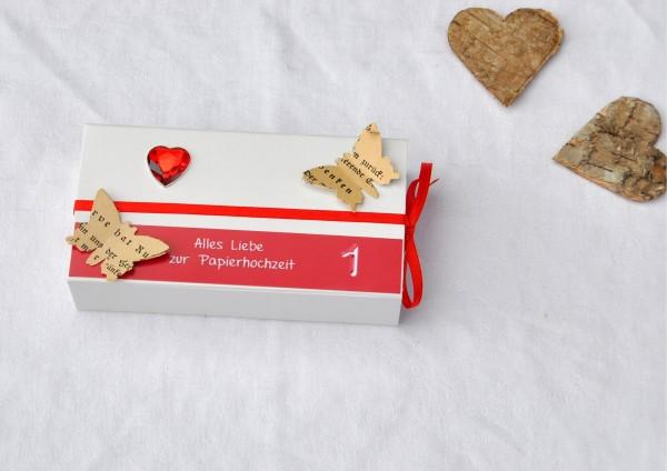 1. Hochzeitstag Papierhochzeit - Geschenkschachtel weiß / rot 1 Herz