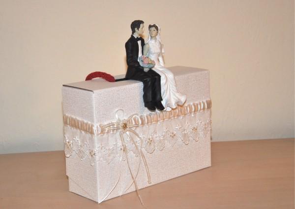 Geschenkschachtel / Koffer zur Hochzeit - Vertrautheit