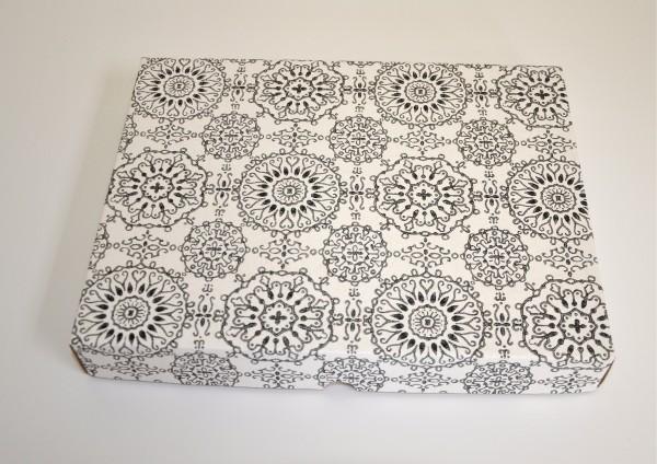 Schwarz / Weiß Ornamente - Geschenkschachtel mit Deckel